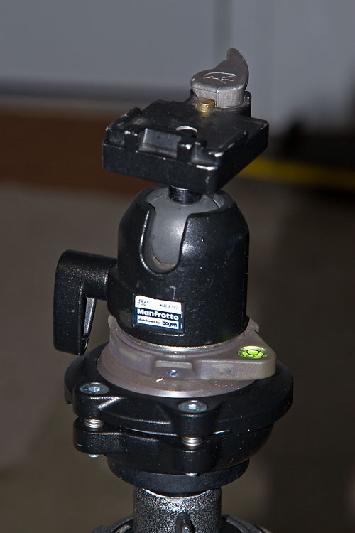 tripod head with manfrotto 438 leveling head
