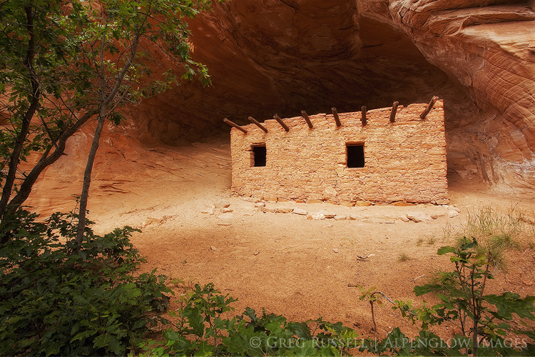 photograph of intact native american ruin in bears ears national monument